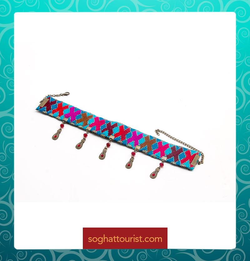 دستبند سوزن دوزی اشکی
