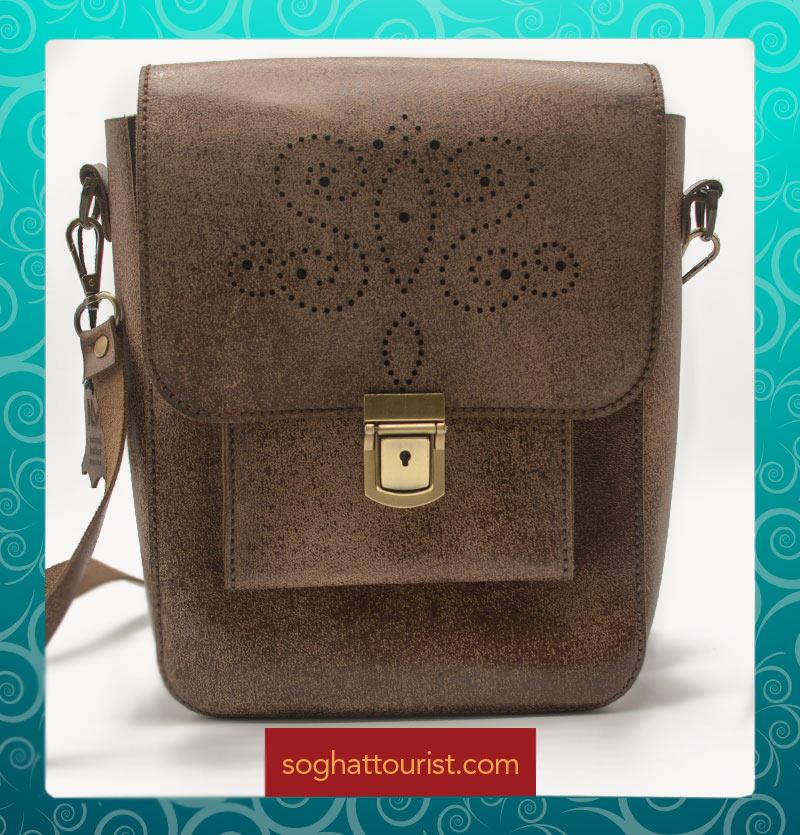 کیف پستچی چرم شتری طرح دار
